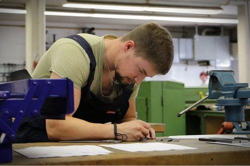 Zeit und Service - Ausbildung in Brake - Metallverarbeitung und Schweisstechnik